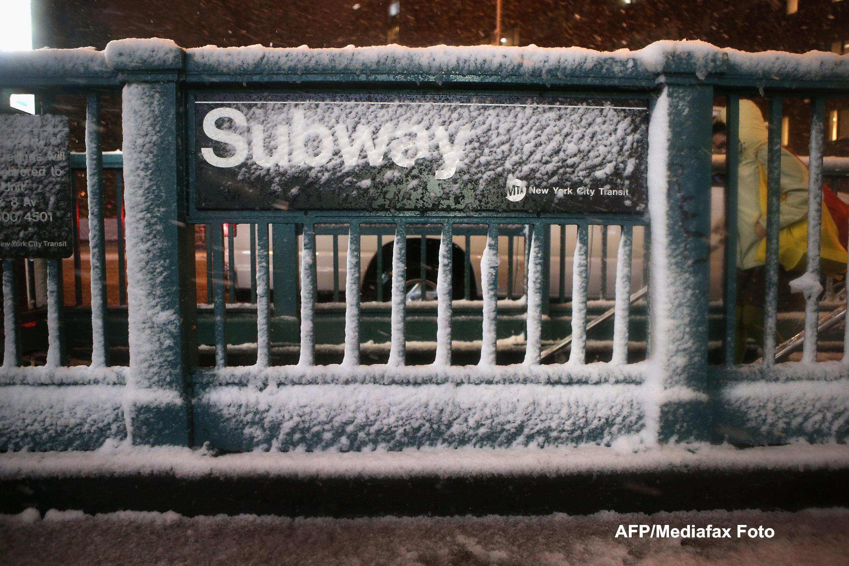 Dupa uraganul Sandy, inca un fenomen extrem loveste New York-ul: furtuna hibernala. Galerie FOTO