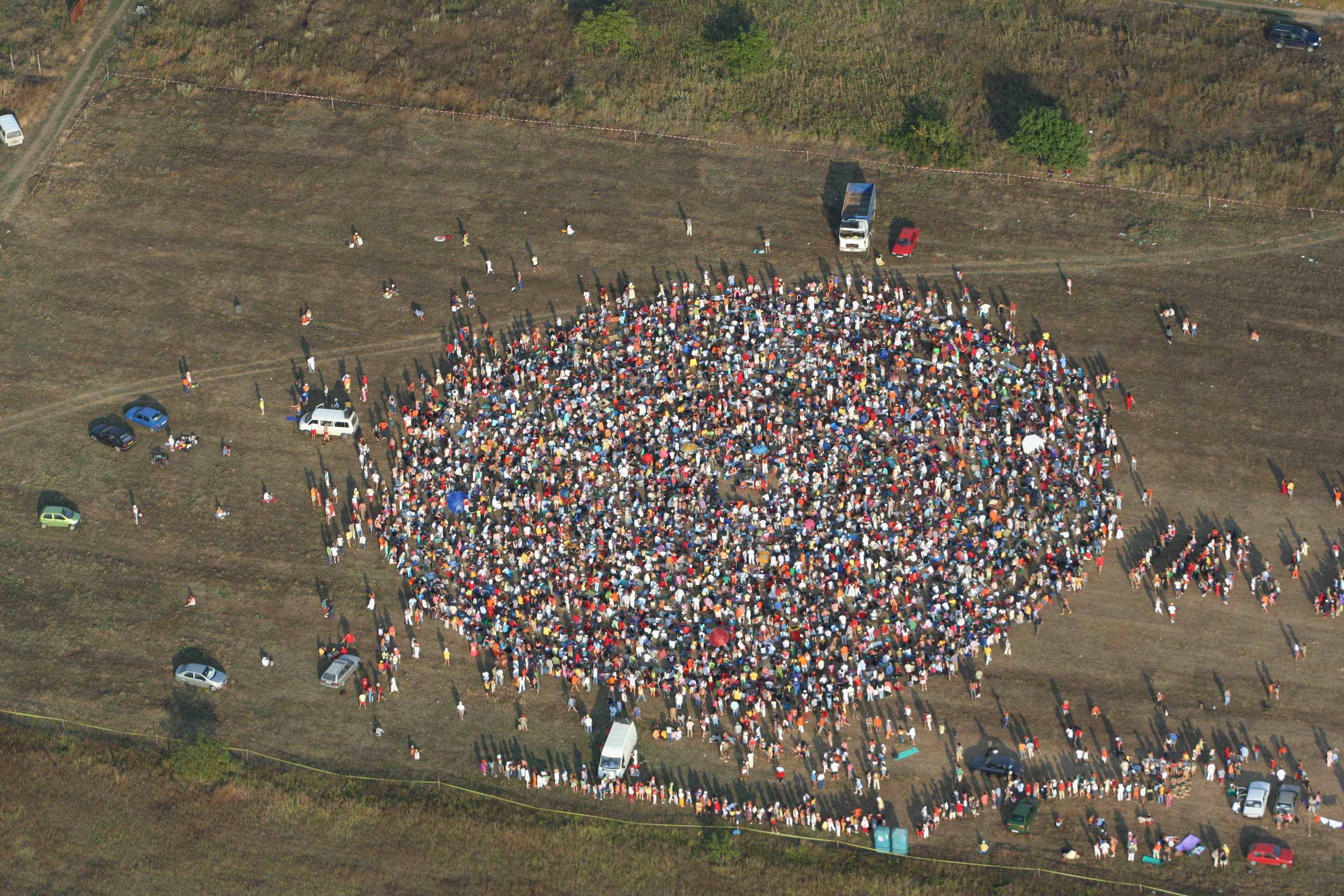 Peste 1.000 de persoane participa la o