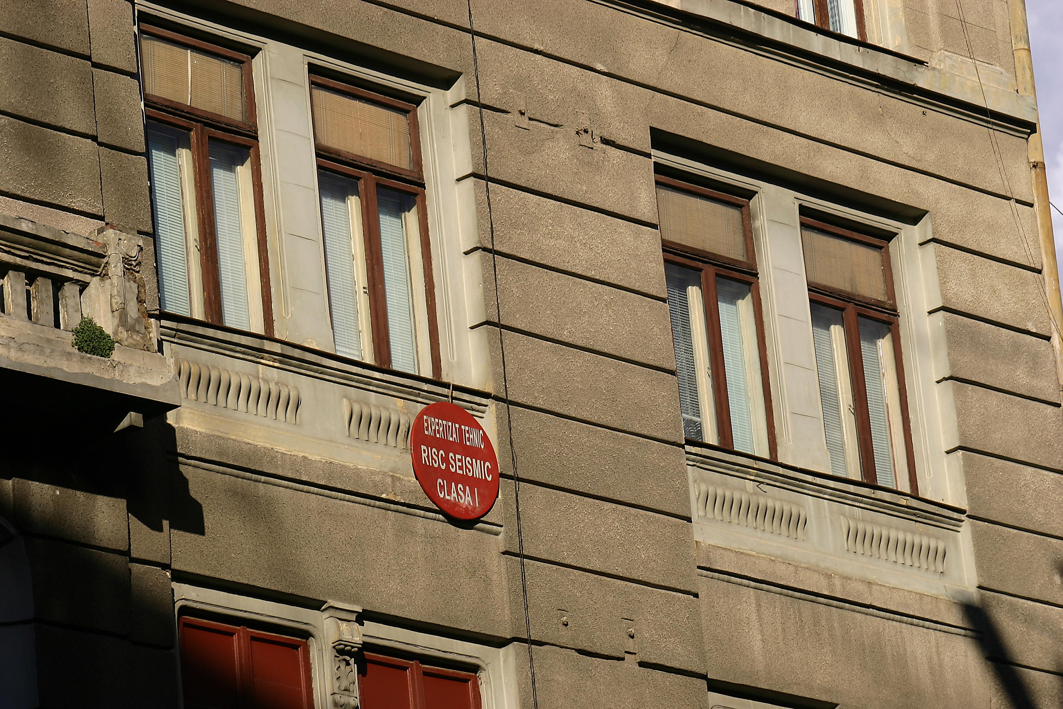 Lista cladirilor cu risc seismic din Capitala. Peste 200 sunt considerate pericol public