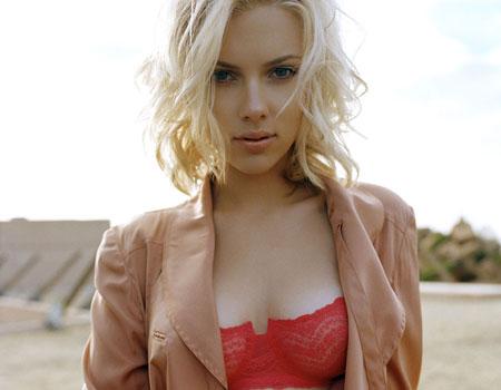 Scarlett Johansson a anuntat ca este insarcinata cu primul ei copil