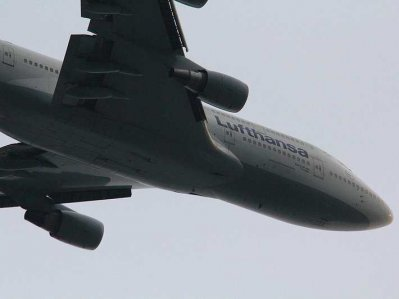Un avion a aterizat de urgenta la Helsinki, dupa ce unul din motoare a luat foc in aer
