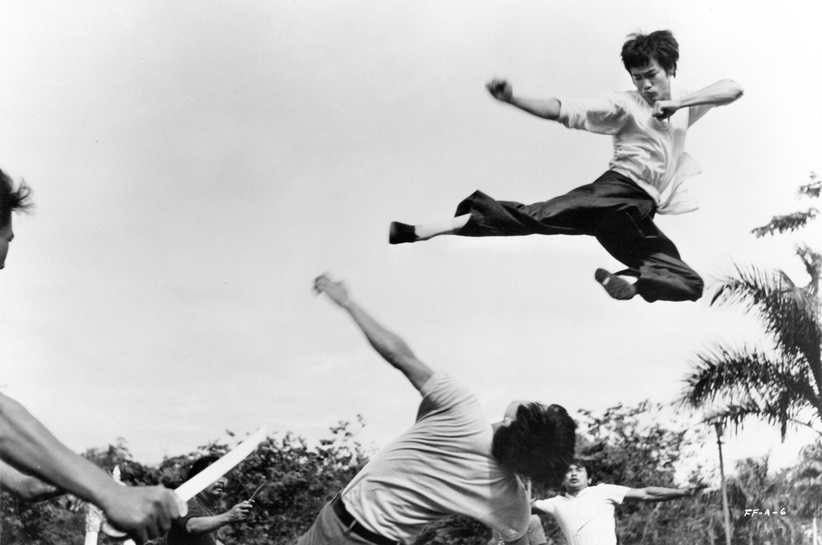 Cel mai mare secret din viata lui Bruce Lee va fi dezvaluit. Lupta care l-a transformat in legenda