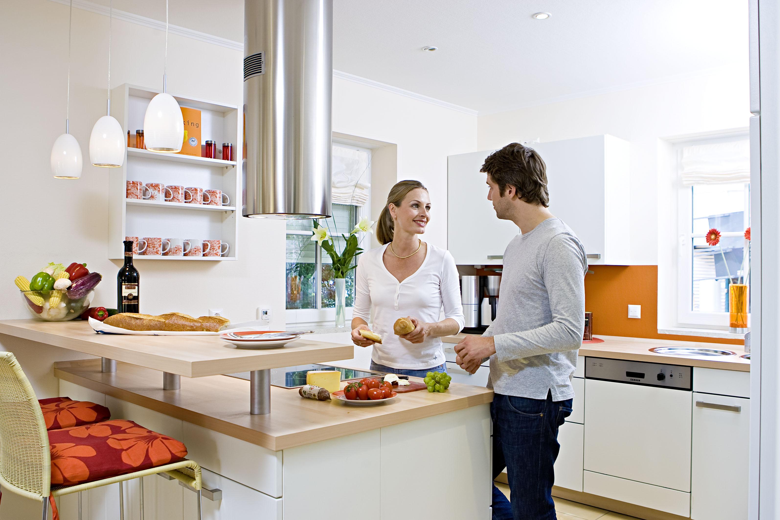 BLACK FRIDAY 2014: Reduceri la frigidere, masini de spalat, aspiratoare, masini de paine, cuptoare cu microunde si cafetiere