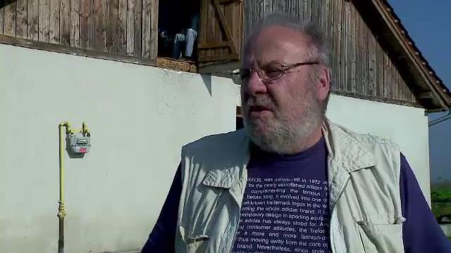 Un austriac ii invata pe cei care traiesc in comunitatile de rromi reteta reintegrarii in societate