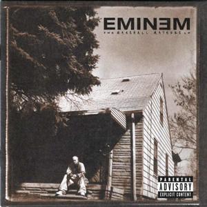 Casa unde a copilarit Eminem a luat foc, la scurt timp dupa ce a aparut pe coperta noului album