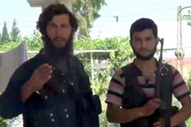Mai multi rebeli Al-Qaeda si-au cerut scuze dupa ce au decapitat persoana gresita