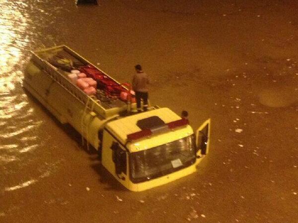 Cum s-a transformat Riad, capitala Arabiei Saudite, dupa o ploaie torentiala de doua ore