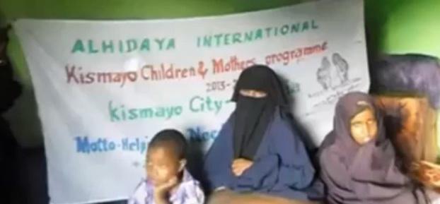 Femeia din Somalia cu un picior de 32 de kilograme. Vecinii cred ca este posedata de diavol. VIDEO