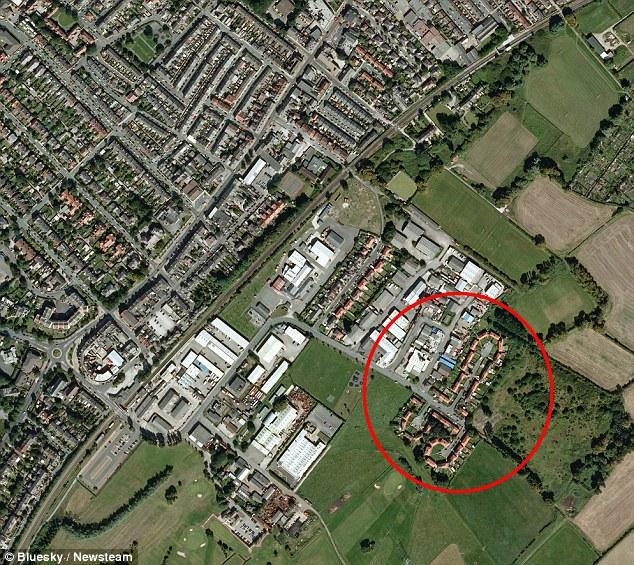 Cum arata un cartier din Anglia, privit cu ajutorul Google Earth.