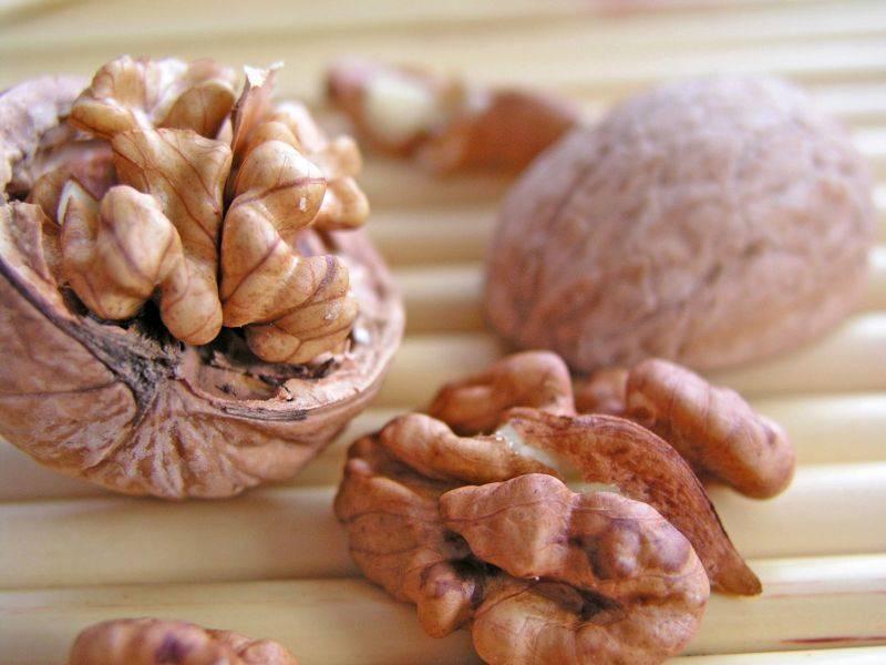Consumul de nuci reduce riscul de cancer si mortalitatea cardiovasculara - studiu