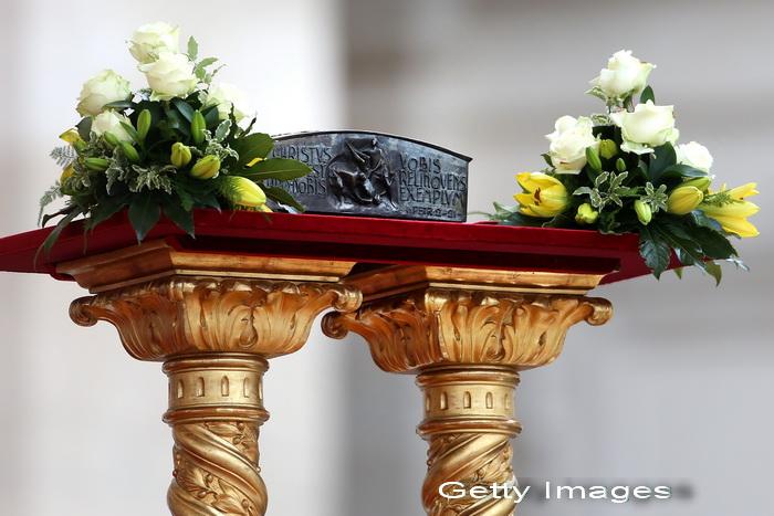 Premiera la Vatican: Biserica Catolica a prezentat, pentru prima data, ramasitele Sfantului Petru