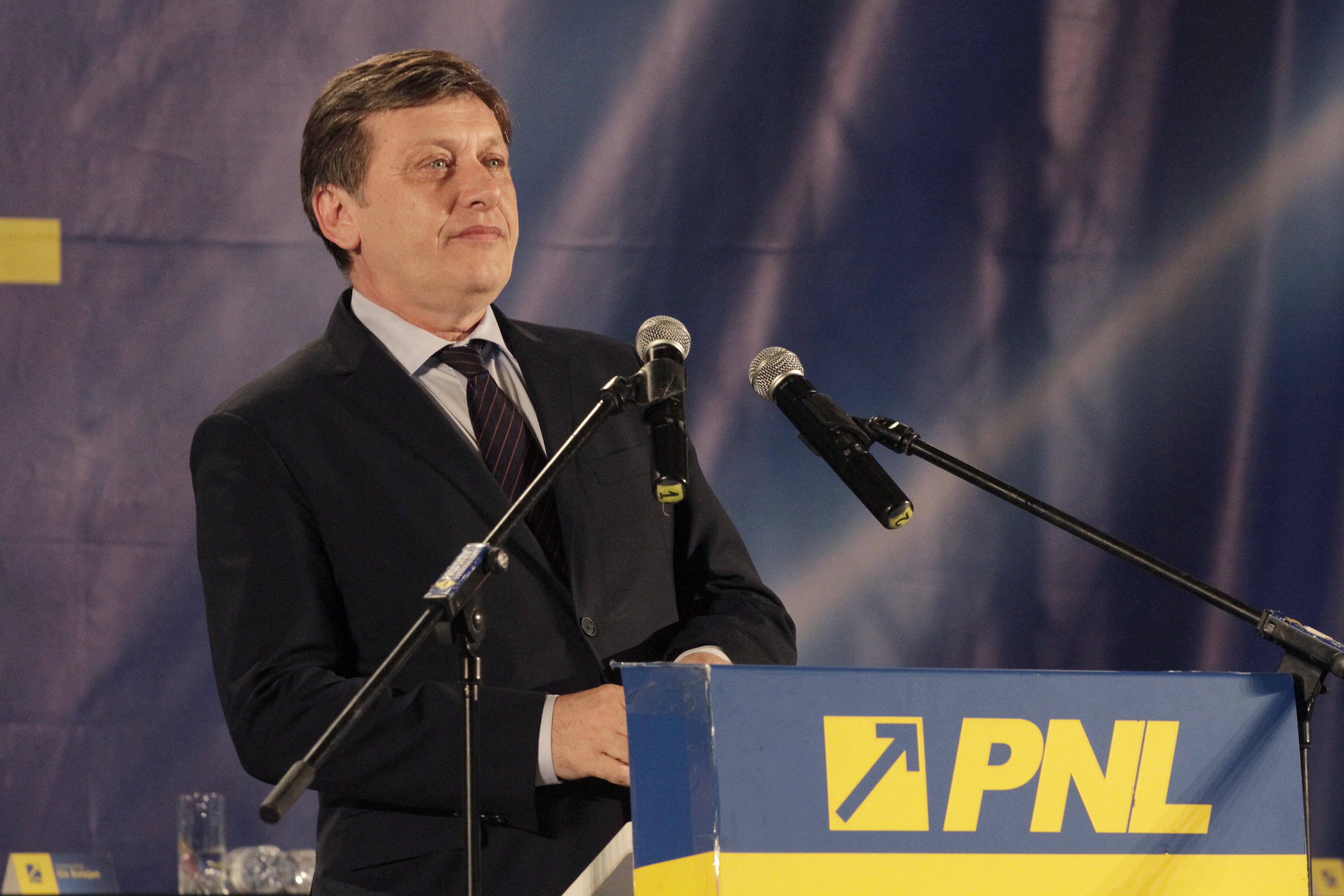 Ce a raspuns Crin Antonescu cand a fost intrebat daca i-a returnat votul lui Victor Ponta din 2009