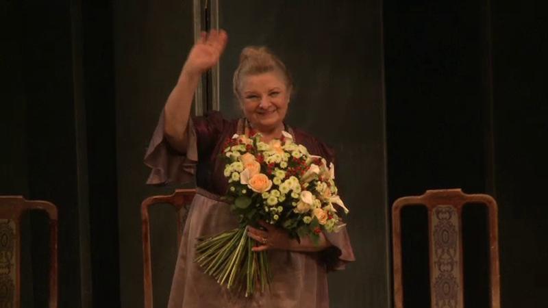 Mariana Mihut, sarbatorita in prezenta publicului, pe scena Teatrului Bulandra. Actrita a implinit varsta de 72 de ani