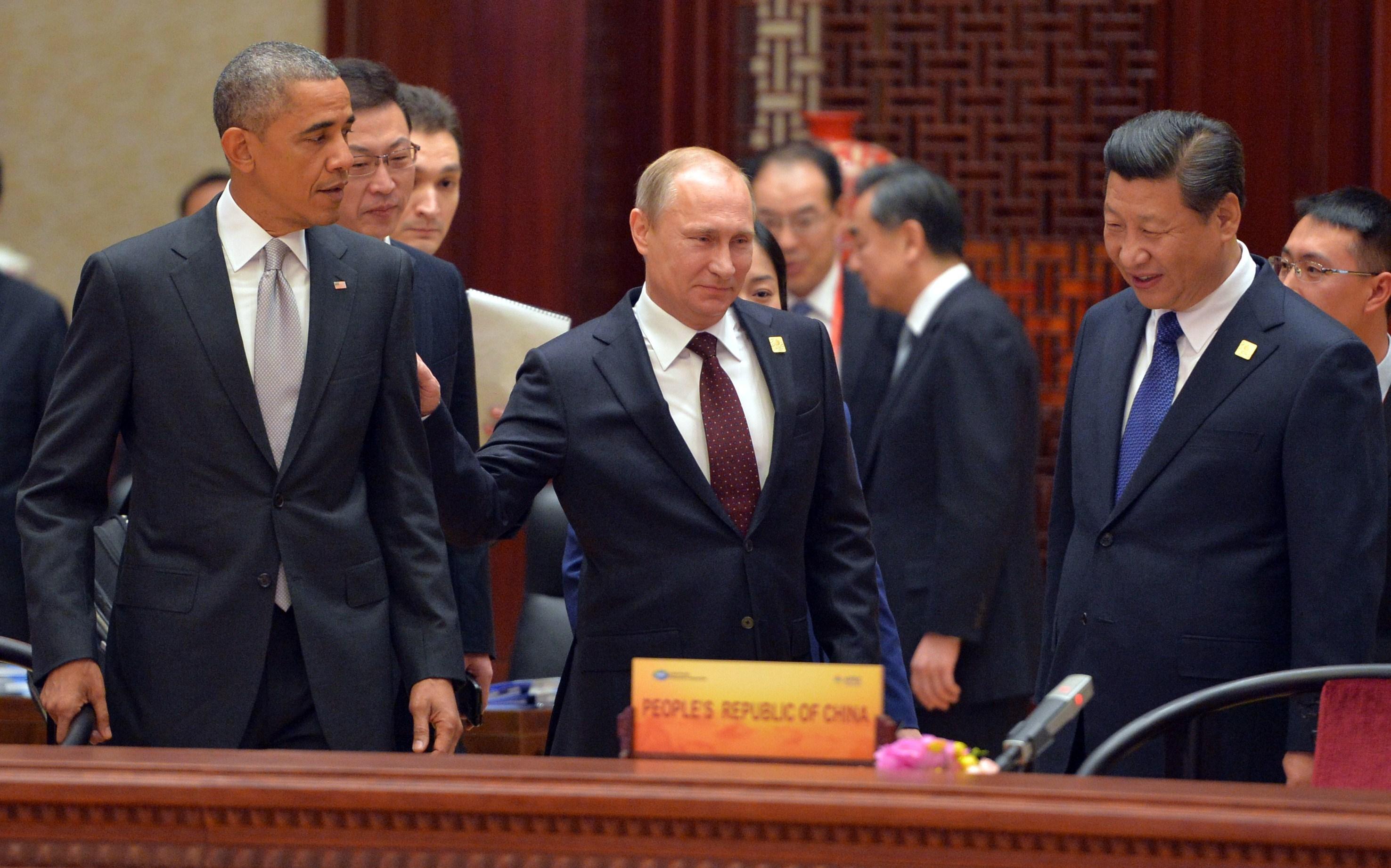 Mesajul lui Obama pentru Putin: americanii trimit cele mai moderne avioane militare, F-22 Raptor, in Europa