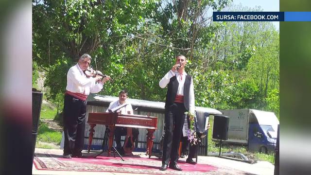 Directorul unui liceu din Buzau, cercetat dupa ce ar fi batut si sechestrat un elev, care e si cantaret de muzica populara