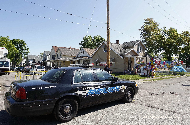 Un baiat in varsta de 12 ani, inarmat cu un pistol de jucarie, a fost ucis de politistii americani din Cleveland