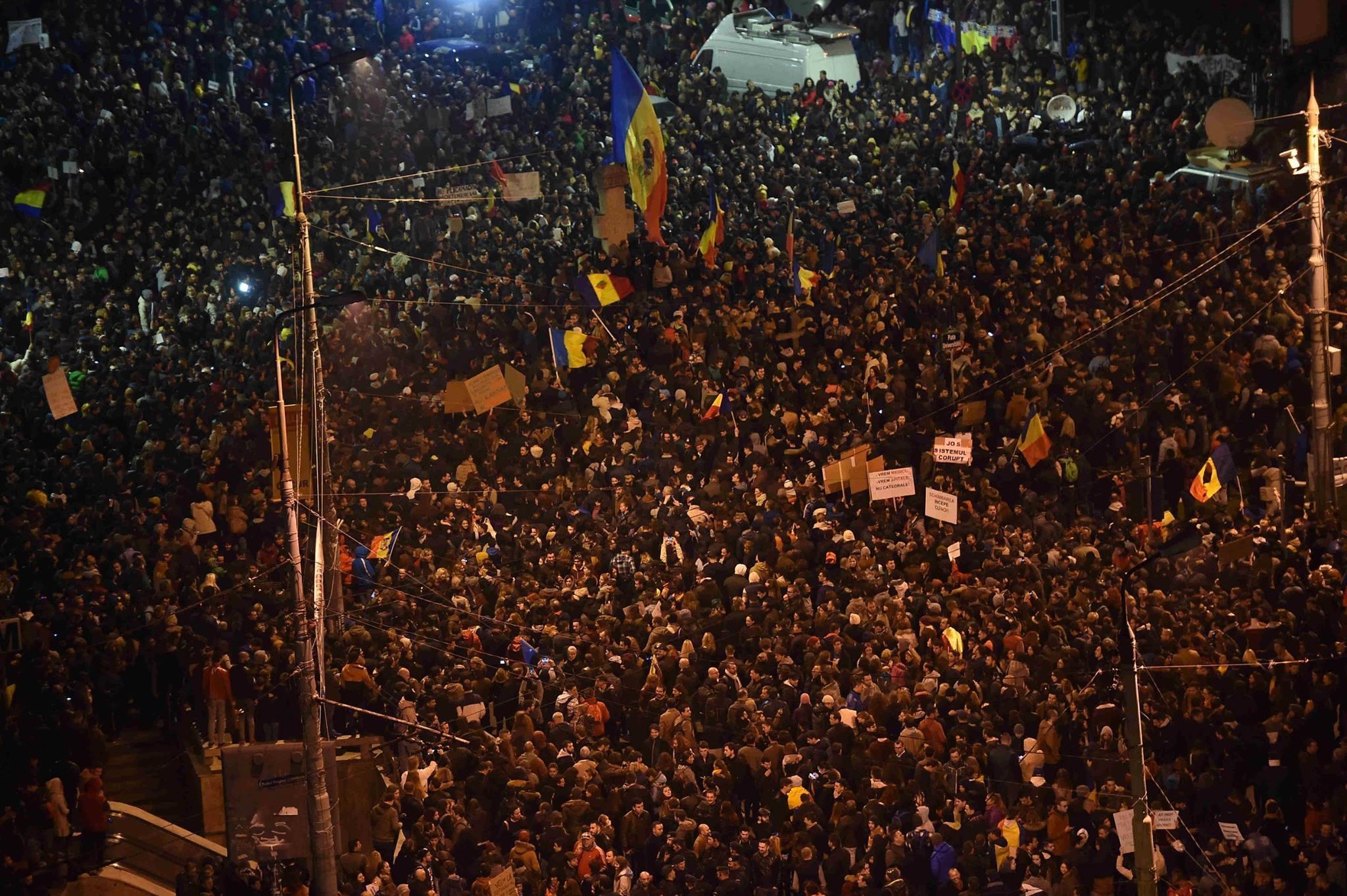 Filmul protestelor uriase din Capitala si din tara.