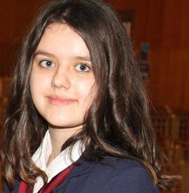 O eleva din Romania a fost premiata la concursul de eseuri al UNESCO. Citeste textul castigator