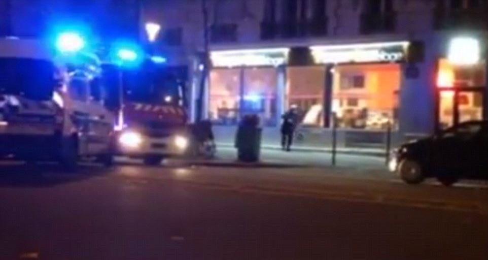 Noi imagini din timpul atacurilor. Paris Match publica o inregistrare cu schimburile de focuri intre politie si teroristi