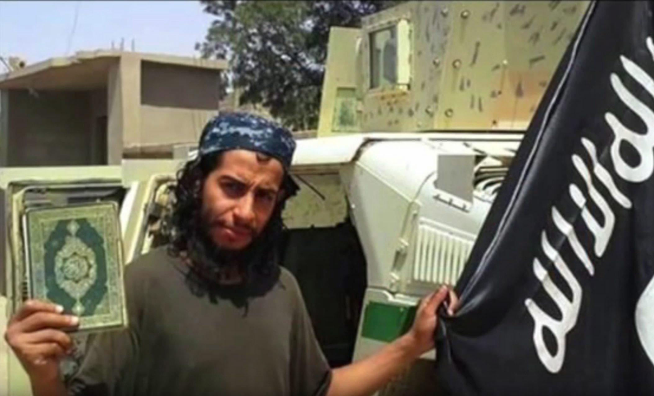 Der Spiegel: Organizatorul atentatelor de la Paris avea contacte stranse cu islamisti din Germania. Unii lupta in Siria