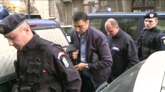 Scandal de coruptie in Teleorman. Seful Politiei Rutiere ar fi primit bani si tuica pentru a elibera permise de conducere