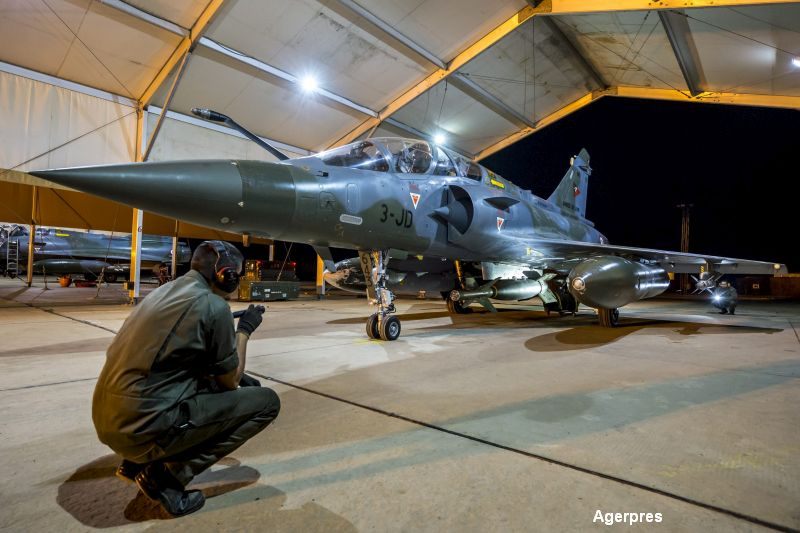 Franta pregateste noi atacuri asupra pozitiilor Statului Islamic. Port-avionul Charles de Gaulle, operational duminica