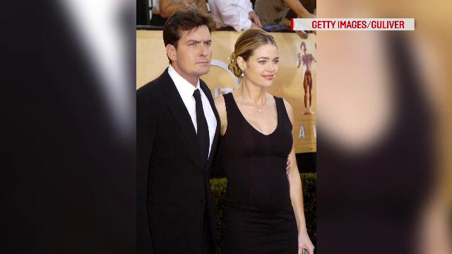 Scandaluri in lant pentru Charlie Sheen. Dezvaluirile facute de un tabloid, dupa ce actorul a anuntat ca e infectat cu HIV