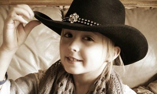 O fetita din SUA, diagnosticata la 8 ani cu o forma rara de cancer la san. Boala apare la o persoana dintr-un milion