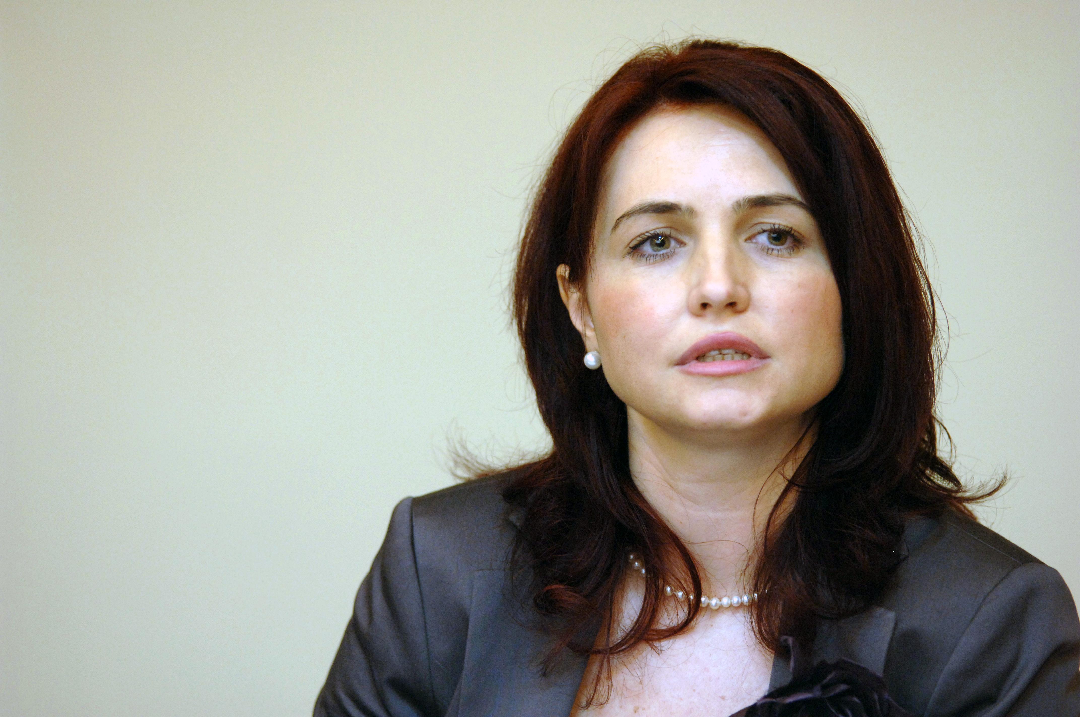 Sefa ANRP, Crinuta Dumitrean, urmarita penal de DNA intr-un nou dosar pentru abuz in serviciu si o mita de 400.000 de euro