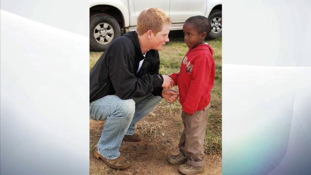 Printul Harry a inaugurat un centru pentru copiii bolnavi de SIDA, in Lesotho. Intalnirea emotionanta de care a avut parte