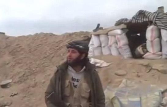 Momentul in care doi rebeli sirieni sunt ucisi de un proiectil, in timp ce filmau un video de propaganda. VIDEO