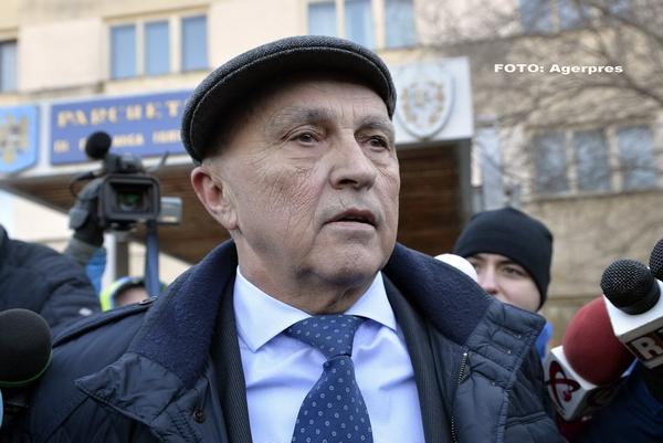 Dosarul de corupție al lui Mircea și Vlad Cosma se rejudecă de la zero