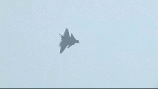 China a prezentat avionul invizibil J-20, care rivalizeaza cu F-22 Raptor al Statelor Unite