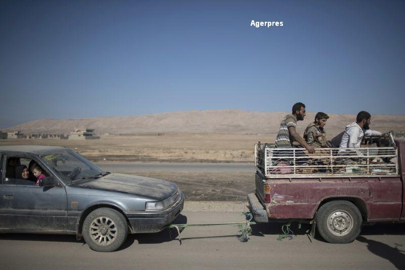 Fortele de elita irakiene avanseaza pe strazile Mosulului. Sute de persoane ucise de ISIS, care recruteaza copii-soldati
