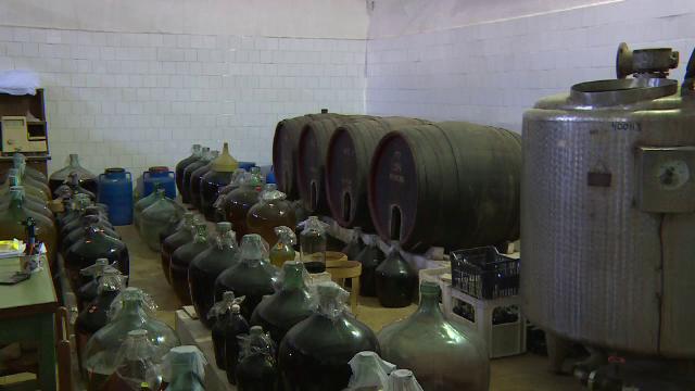 Singurul institut de cercetare a viei si a vinului din Romania, lasat in ruina, desi angajatii au facut performanta