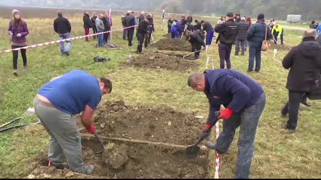 Concurs de sapat morminte la Targul de Servicii Funerare din Slovacia.
