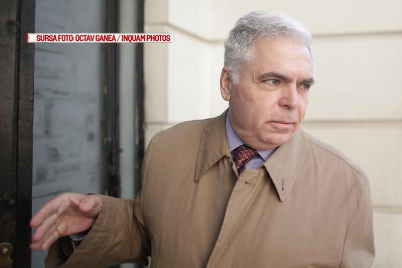 Fostul ministru de Externe Adrian Severin afla azi daca ajunge dupa gratii.