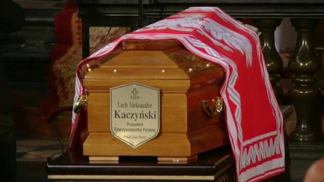 Presedintele Lech Kaczynski, deshumat la 6 ani de la catastrofa de la Smolensk. Polonezii vor sa caute urme de explozibili
