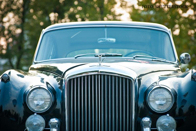 Jaf pe o autostrada din Franta. Hotii au oprit un Bentley si au furat bijuterii si haine valorand 5 milioane de euro