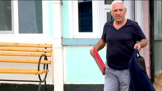 Ofiterii SRI care i-au permis lui Ioan Becali sa treaca la Aeroportul Otopeni prin zona destinata diplomatilor, sanctionati