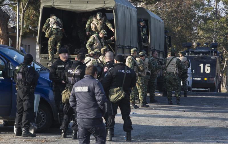 Membru al unei celule radicale, printre organizatorii revoltei din tabara de refugiati din Bulgaria. 24 de politisti raniti