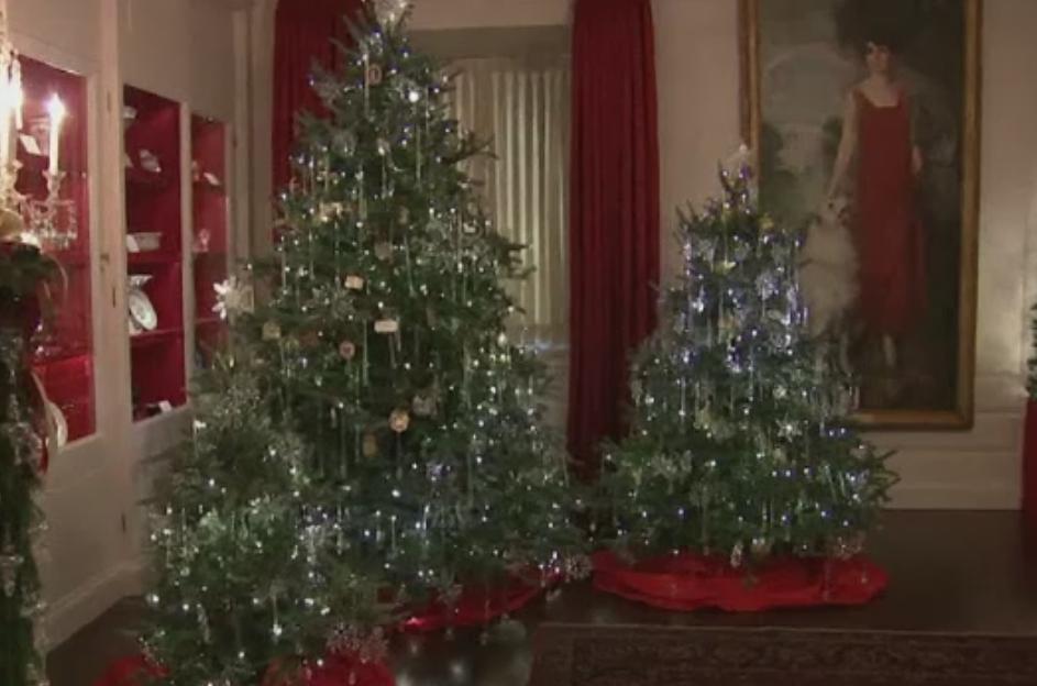 Michelle Obama a prezentat decoratiunile de sarbatori din Casa Alba. Cat au lucrat la ele 100 de voluntari