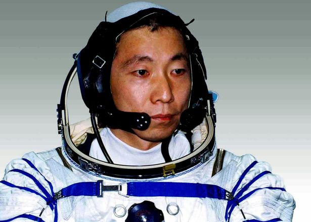 Zgomotele stranii auzite de primul astronaut chinez, in spatiu.