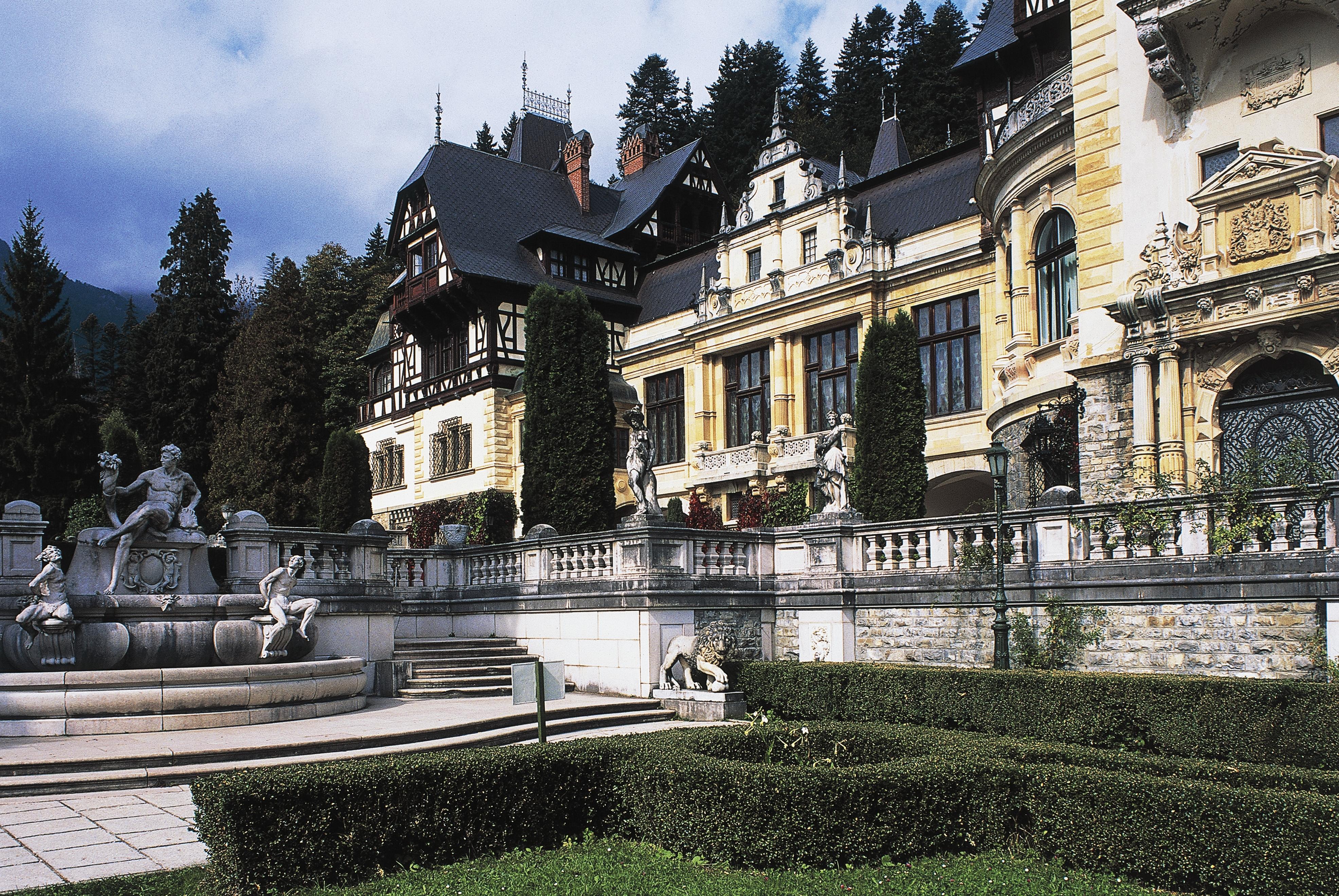 Adevărata istorie a fabuloasei averi a Casei Regale. De ce regele Mihai și regina Ana nu au vorbit public despre bani