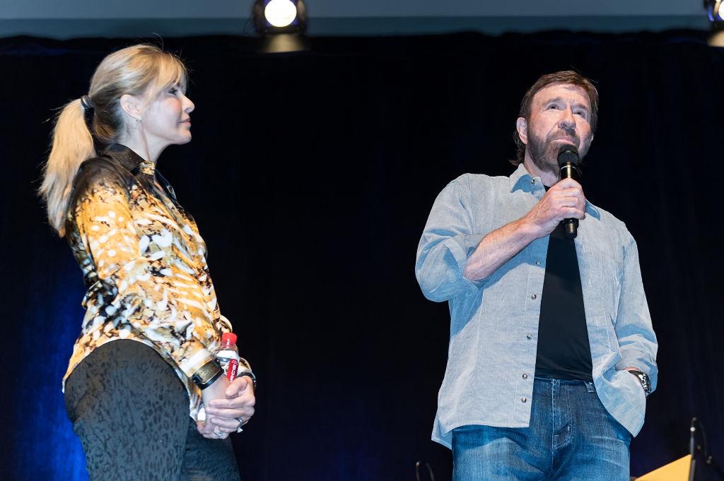 Chuck Norris susţine că soţia sa a fost