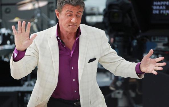 Actorul Sylvester Stallone a cheltuit 400.000 de dolari pentru o statuie cu chipul său