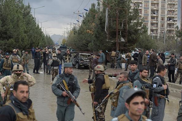 Atac sinucigaș în Kabul, revendicat de gruparea Stat Islamic: 9 morți