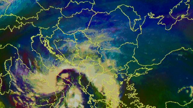 Pentru câteva sute de euro, îți poți cumpăra un ciclon cu numele tău. Exemplul lui Olaf