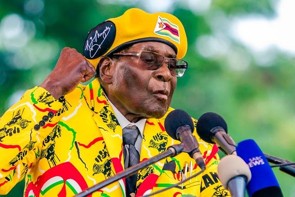 """Robert Mugabe """"va fi demis din funcția de președinte"""" al statului Zimbabwe"""