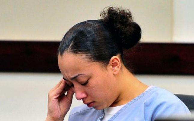 Rihanna şi alte vedete cer eliberarea unei tinere condamnate pentru uciderea unui bărbat